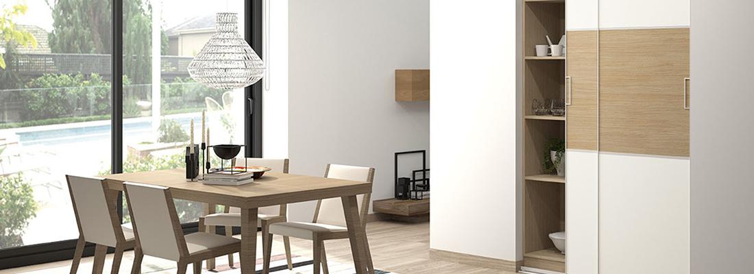 Salon joliment decore avec une table en bois